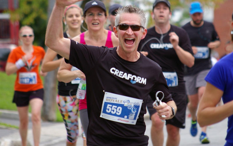 Creaform's employees running at a marathon