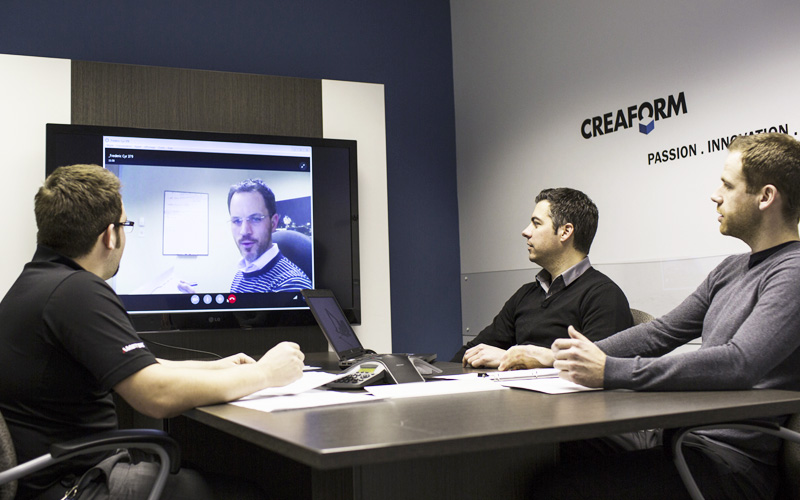 Creaform's employees having a meeting