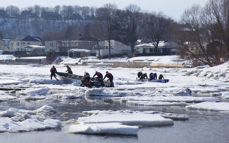 Creaform's ice canoeing team